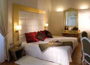 hotel palazzo caracciolo, albergo 4 stelle Napoli