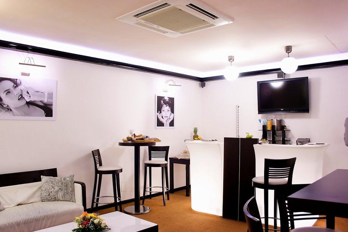 salone-bar Apart Hotel Plebiscito Napoli
