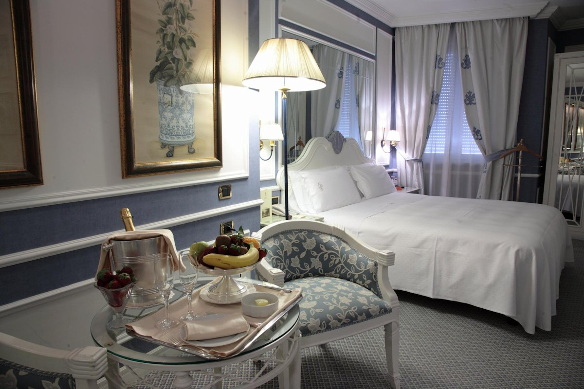 Camera Hotel Palazzo Alabardieri Napoli